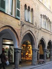 Arcades in Chiavari invite you to a shopping trip in Italy
