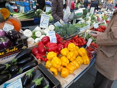 At the market in the Piazza Mazzini in Chiavari you can buy fresh fruits and vegetables