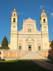 Church Santo Stefano in Lavagna is a popular location for weddings