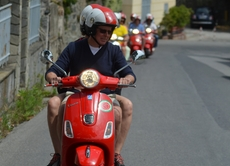 Vespas on tour in Ligurien